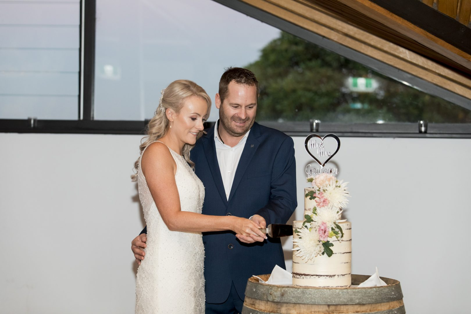 ben ean pokolbin hunter valley wedding photographer SJb003