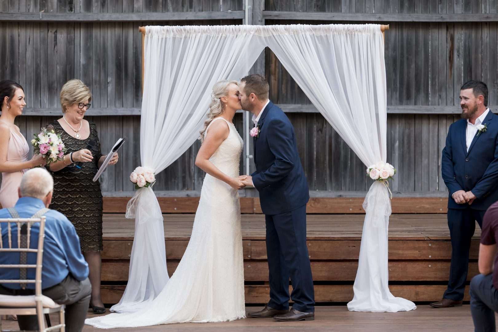 ben ean pokolbin hunter valley wedding photographer SJb085